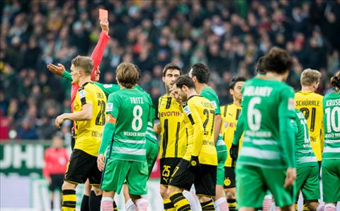 Bremen 1-2 Dortmund Thang nhoc trong the hon nguoi hinh anh