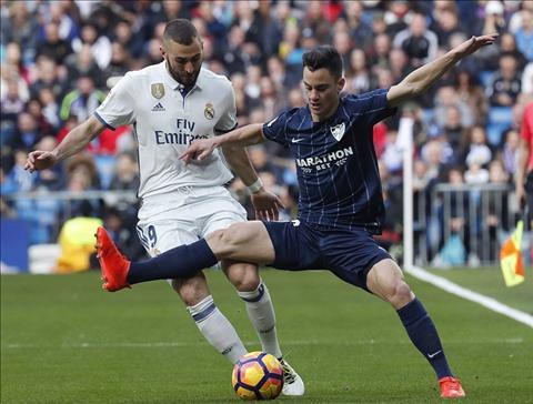 Real Madrid 2-1 Malaga Zidane dung, nhung van lo hinh anh 3