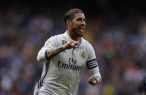Real Madrid 2-1 Malaga Zidane dung, nhung van lo hinh anh