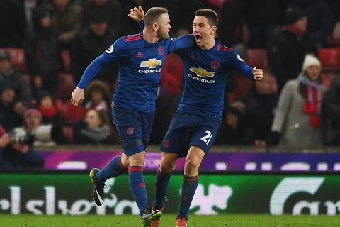 Rooney chinh thuc tro thanh chan sut xuat sac nhat lich su Man United voi 250 ban thang