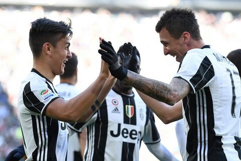 Juventus 2-0 Lazio Song tau xu Tango hinh anh