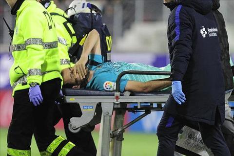 Vi Busquets, Suarez bat thay Enrique  hinh anh