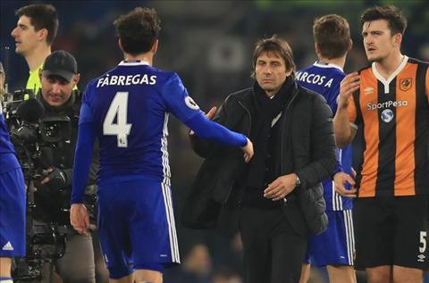 Goc Chelsea Khi Fabregas tro thanh sieu du bi cua Conte hinh anh 3