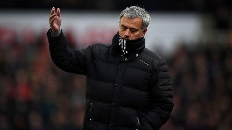 Sir Alex Mourinho se giup MU vo dich Premier League hinh anh