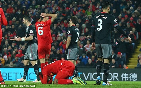 Liverpool 0-1 (0-2) Southampton Dut diem toi The Kop bi da bay khoi Cup lien doan hinh anh 2