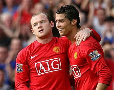 Rooney khong the vuon toi dang cap cua Ronaldo vi choi dong doi hinh anh