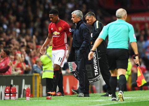 Martial chua dap ung duoc su ky vong cua HLV Mourinho