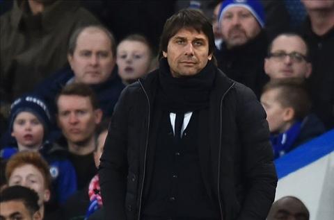 Conte tiet lo danh tinh 2 cau thu chuan bi roi Chelsea hinh anh