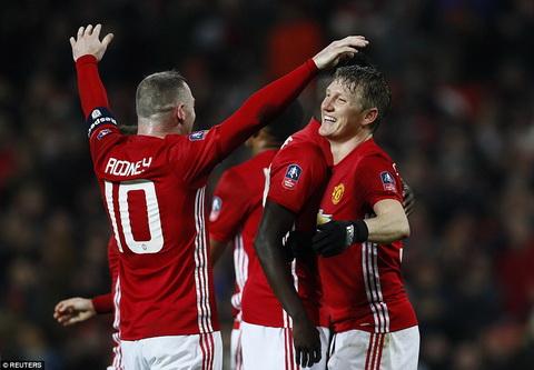 Man United 4-0 Wigan Loi khang dinh cua Basti-gol hinh anh