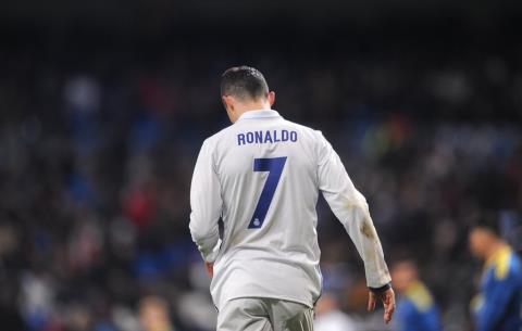 Benh Ronaldo, sao Real Madrid chi trich CDV nha hinh anh
