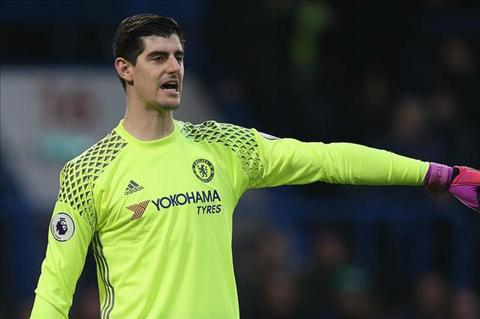 Ly do khien Thu mon Thibaut Courtois muon toi Real hinh anh