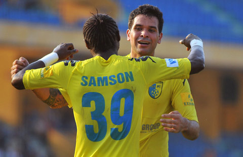 V-League 2017 va can benh kho chua hinh anh 2