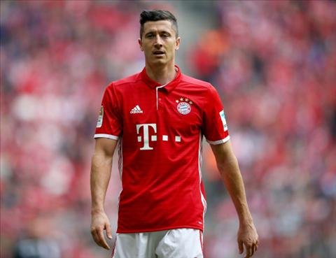 Tien dao Robert Lewandowski di vao lich su Bundesliga hinh anh