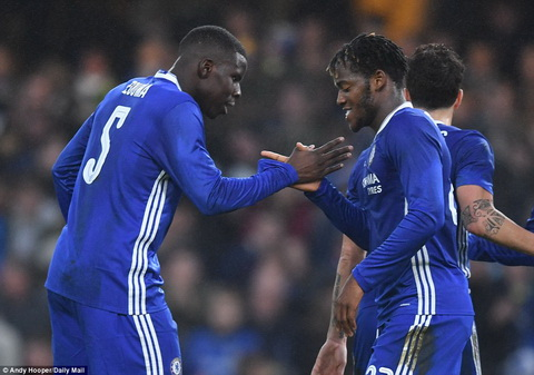Chelsea 4-1 Peterborough Buoi tap nhe o dau truong FA Cup hinh anh 2