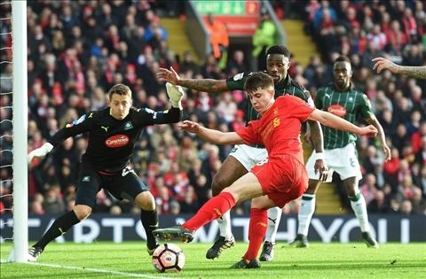 Liverpool 0-0 Plymouth Gia nhu Benteke khong lam vo kinh Klopp… hinh anh 2