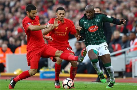 Liverpool 0-0 Plymouth Gia nhu Benteke khong lam vo kinh Klopp… hinh anh