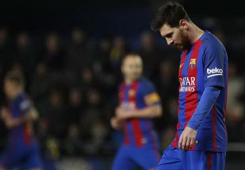 Barcelona khong cho Messi tham du le trao giai cau thu xuat sac cua FIFA.