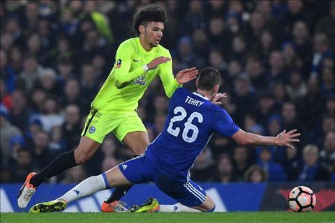 Conte len tieng ve chiec the do Terry phai nhan tai cup FA hinh anh
