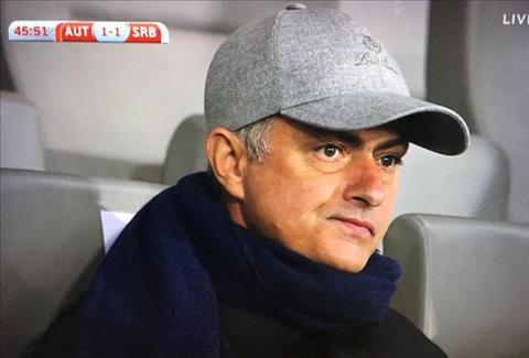 HLV Mourinho xem gio cau thu o tran Serbia vs Ao hinh anh