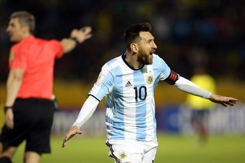 Argentina thoat hiem Trong bao to, moi biet Messi vi dai the nao…  hinh anh