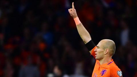 Arjen Robben (Ha Lan): Khong the giup DT Ha Lan du World Cup 2018, Robben cung da noi loi chia tay doi tuyen quoc gia.