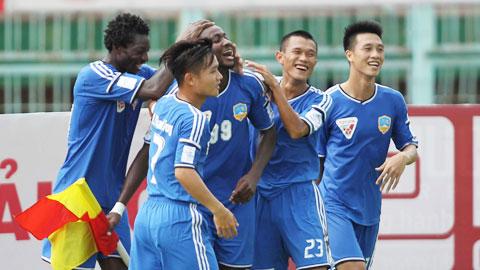 Can Tho 2-3 Quang Nam Thang de chiem lay ngoi dau hinh anh