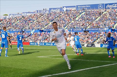 Ronaldo luon toa sang khi Real can anh nhat hinh anh