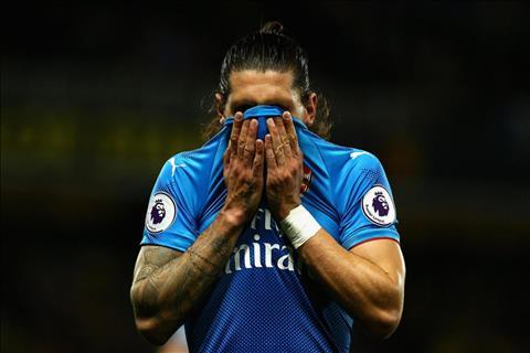 Sao Arsenal nhan loi xia xoi sau khi bi gai bay tran thua Watford hinh anh
