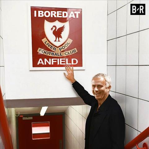Man Utd Thien ha cu che, con Mourinho cu cuoi hinh anh 2