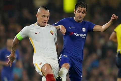 Nainggolan AS Roma manh hon Chelsea hinh anh