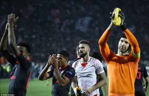 Crvena Zvezda 0-1 Arsenal Than tai Giroud hinh anh 2