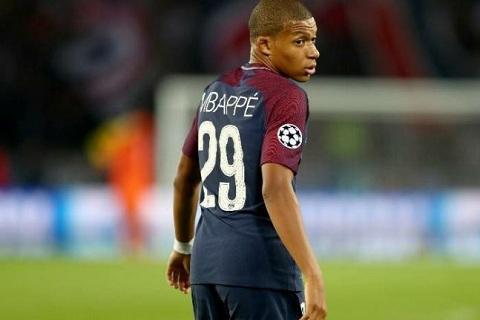 Tien dao Kylian Mbappe noi ve tin don den Real Madrid hinh anh