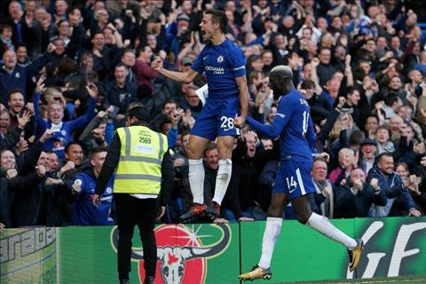 Nhung con so an tuong sau tran dau Chelsea 4-2 Watford hinh anh 2