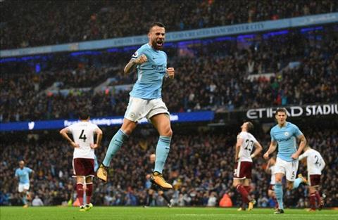 DHTB vong 9 Premier League Su tro lai cua Sanchez hinh anh 2