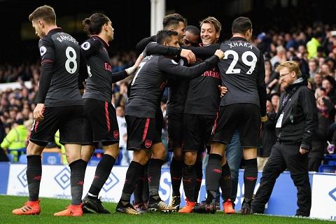 Everton 2-5 Arsenal Mat trai cua dong tien hinh anh 2