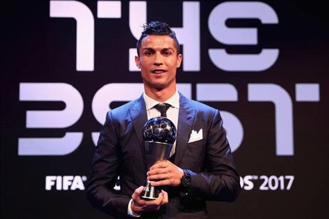 Goc nhin Co nhat thiet phai chi trich Ronaldo hinh anh 3