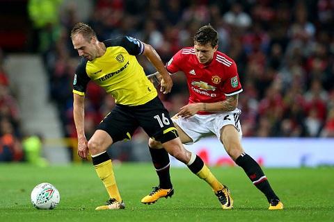 Swansea vs Man Utd (1h45 ngay 2510) Tim lai niem vui hinh anh 2