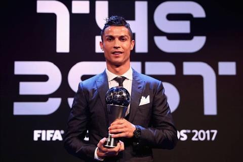Goc nhin: Co nhat thiet phai chi trich Ronaldo?