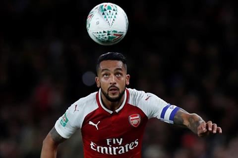 Wenger noi loi cay dang voi tien dao Theo Walcott hinh anh 2