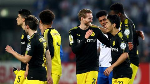 Magdeburg 0-5 Dortmund Vui dap ke yeu hinh anh