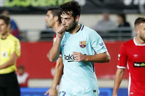 HLV Valverde noi gi ve man ra mat an tuong cua sao tre Barca hinh anh