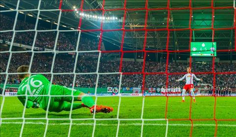 RB Leipzig 1-1 (pen 4-5) Bayern Munich Nhoc nhan di tiep sau man dau sung hinh anh