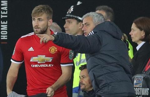 Sao MU lo so bi Mourinho chon vui su nghiep hinh anh
