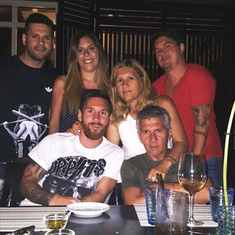 Gia dinh hoa thuan cua ngoi sao Lionel Messi hinh anh