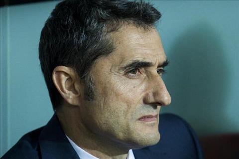 HLV Valverde canh tinh cac hoc tro tai Barcelona hinh anh