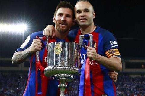 Dan anh giuc Messi gia han hop dong voi Barca hinh anh