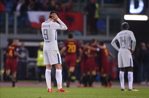 Roma 3-0 Chelsea Con ac mong trong dem Halloween hinh anh 2
