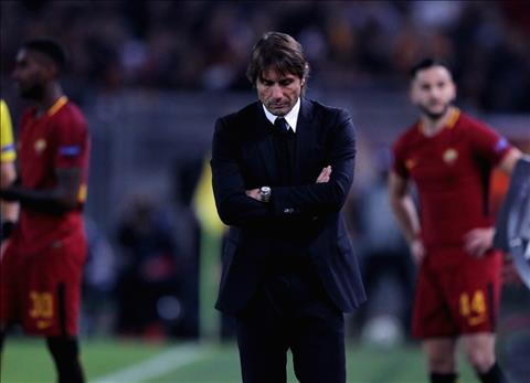 Roma 3-0 Chelsea Con ac mong trong dem Halloween hinh anh 3