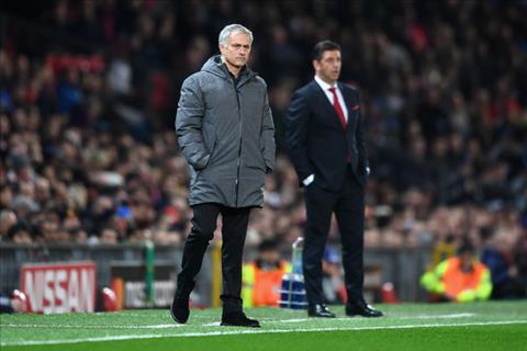 Cuu sao MU khich Mourinho choi tan cong truoc Chelsea hinh anh
