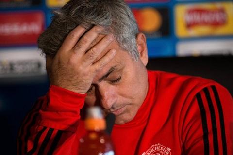 Mourinho ti nanh voi Arsenal ve lich thi dau de tho hinh anh